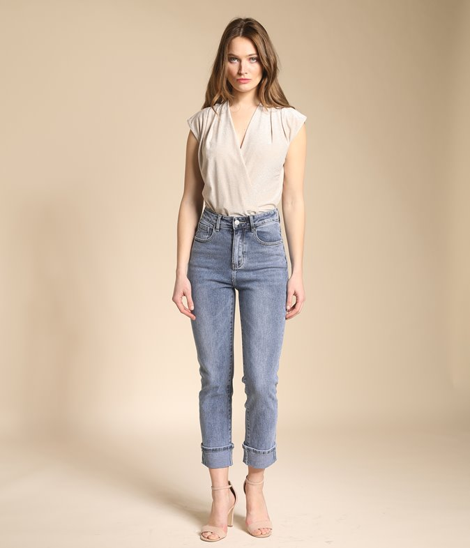 Jean mom fit à revers