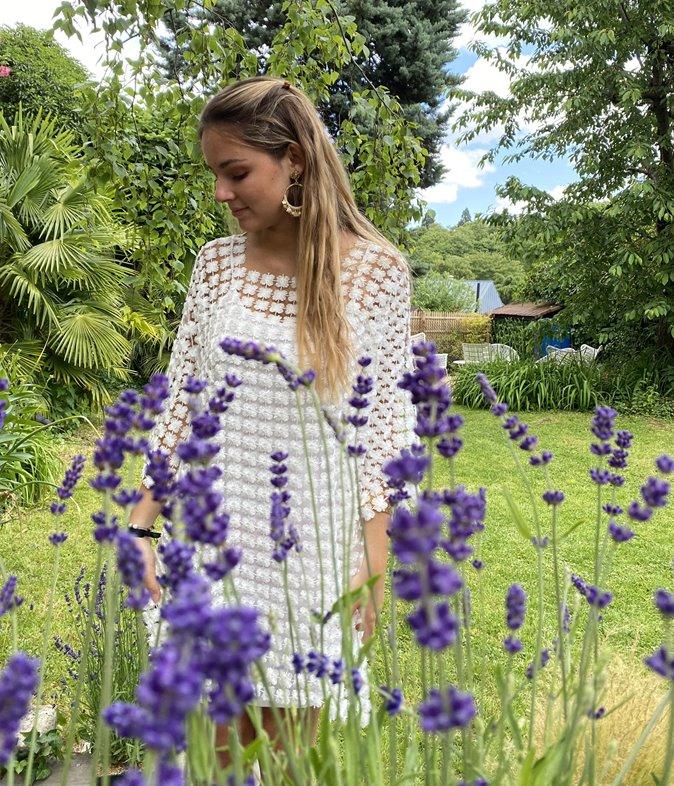Robe en dentelle à fleurs