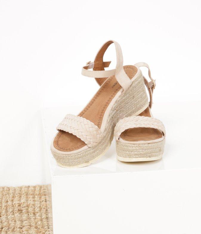 Sandales tressées effet suédine